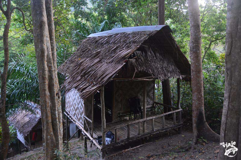 Cabaña de bambu en Railey, Tailandia.