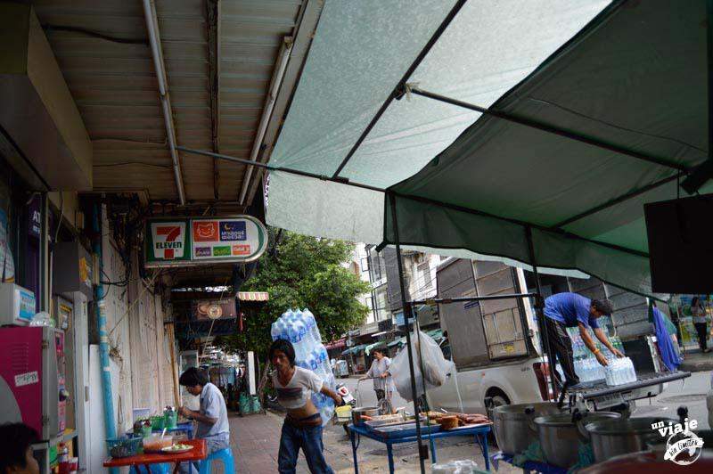 Trabajando de repartidor en Bangkok, Tailandia.