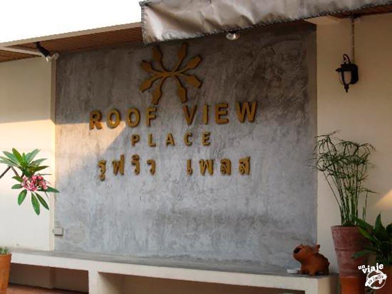 Entrada del hotel roof view place de Bangkok.
