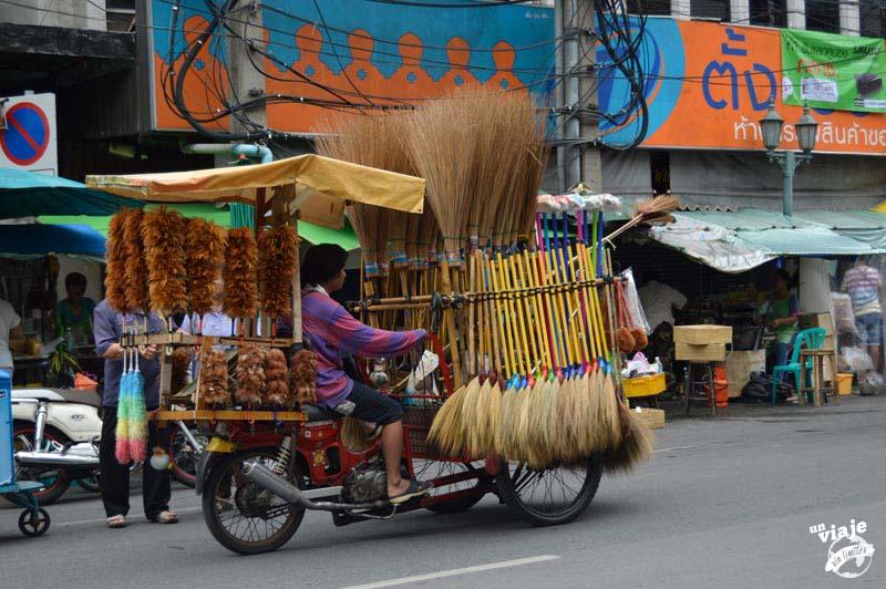 Todo el negocio en una moto, Tailandia.