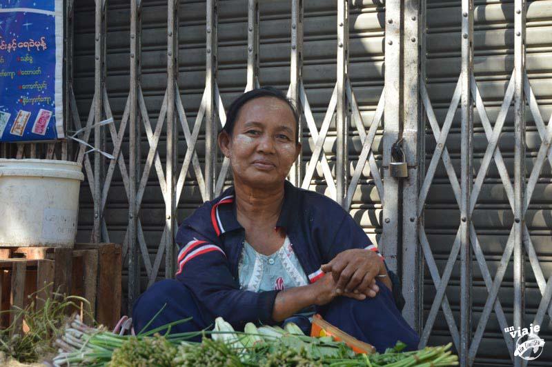 Yangón, mi primer contacto con el pueblo birmano