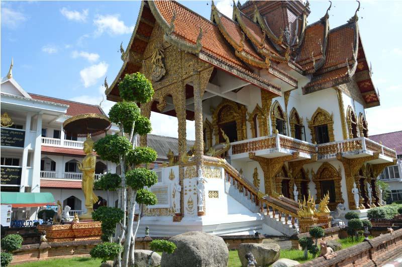 Wat Buppharm, Templo de Chiang Mai, Tailandia.