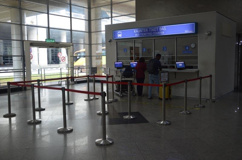 Taquillas bus, aeropuerto Kuala Lumpur al centro.